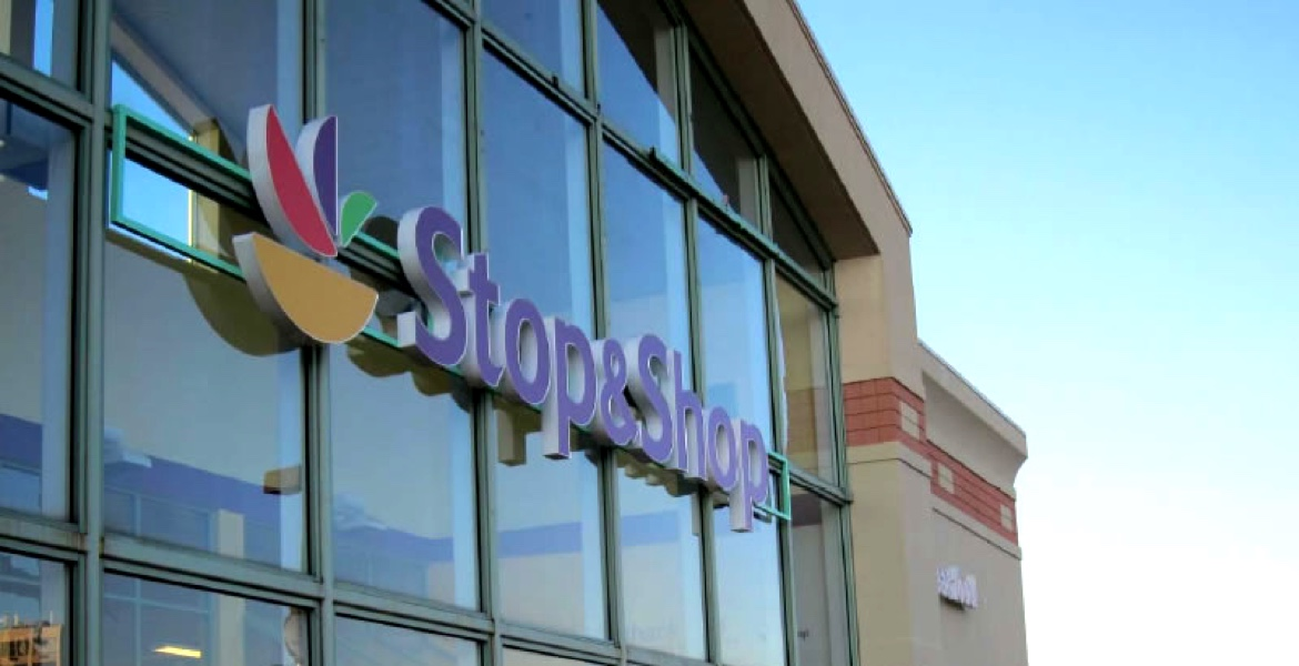 Stop & Shop Supermarket Opening at Expressway Plaza in Staten Island, NY